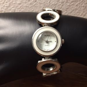 XOXO watch with link band NEEDS BATTERY